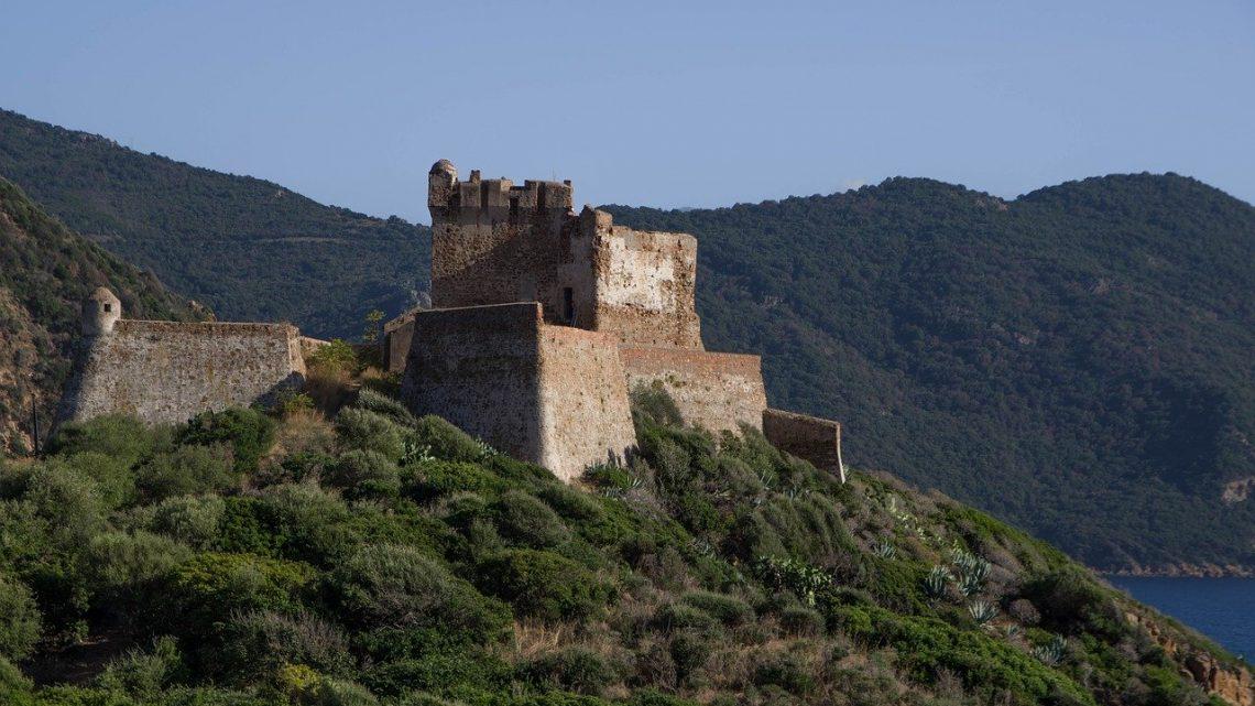 Un tour en mer vers des espaces privilégiés du côté Ouest de la Corse